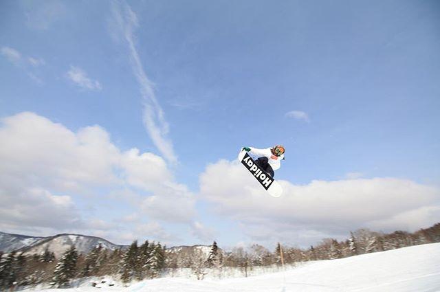おはよーございまーす!7月22日(日)おーぷん♫・・たまには自分の写真も♪・・今日もお待ちしてまーす!・#colorsnowboardshop #colorgang #ヨコノリスタ #イロヲ出セ #snowboardshop #宇都宮 #jump #snowboard #南郷 #カラースノーボードショップ