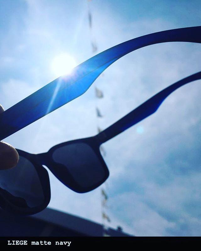おはよーございやーす!7月17日(火)Open・・今日も日焼け日和♫・夏のマストアイテムサングラス!・DRAGONLIEGEMATTE NAVY16200yen(tax in)・マットなフレームを光に当てるとネイビーが輝きます!店頭ではマットブラックに見えますが、光当ててみてください!めちゃめちゃかっこいーですよ!写真はDRAGONインスタより頂戴致しました・・でわでわ、今日もお待ちしております!!!・#colorsnowboardshop #colorgang #ヨコノリスタ #イロヲ出セ #snowboardshop #宇都宮 #サングラス #dragon #dragonsunglasses #カラースノーボードショップ