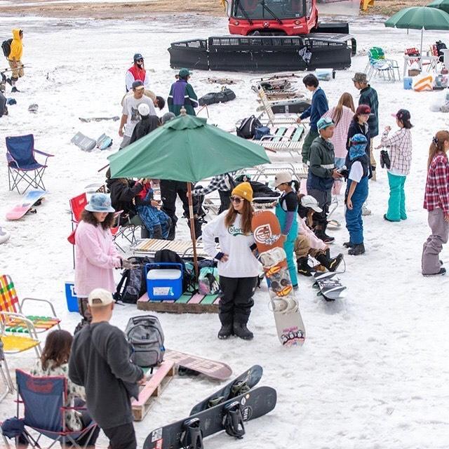おそよーございます!9月2日(月)やってました!.さっそく今日は冬の話しで盛り上がりーな1日でした!冬の話しをすると、なんだかワクワクしてきます🌝.雪山滑りたいデスネ!.明日もお待ちしてますよー.#colorsnowboardshop #colorgang #ヨコノリスタ #イロヲ出セ #snowboardshop #宇都宮 #カラースノーボードショップ #スノーボード #かぐらパーク