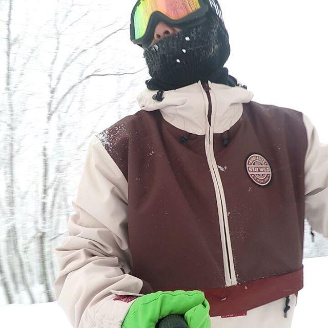 どーも自称バイトですお正月休みはたかつえ 南郷 ハンターと滑りに行ってましたまだまだ雪が少ないですがどこのスキー場もめちゃくちゃ楽しかったです今週も南会津攻めます皆さん宜しくお願いします木曜日color元気オープンしてますよーお待ちしてまーす#colorsnowboardshop#colorgang#ヨコノリスタ#イロヲ出セ #レペゼン宇都宮#南会津#南郷スキー場#ハンターマウンテン#たかつえスキー場