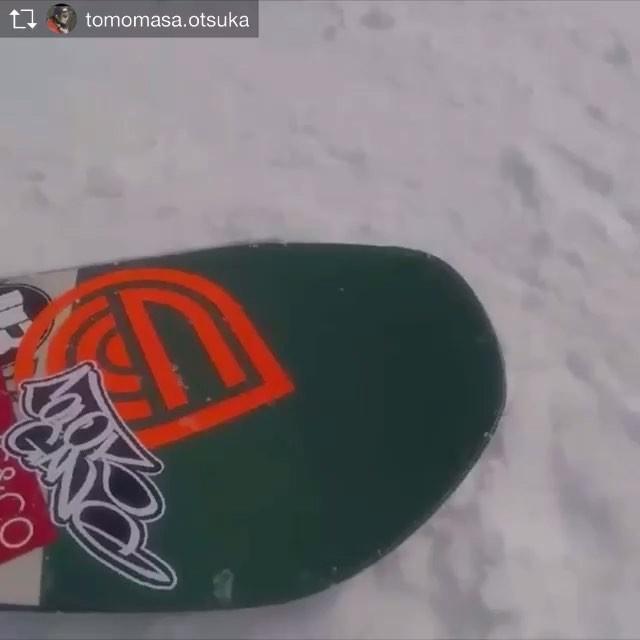 おはよーございます!2月17日(日)やってますよーー!!.RIDERトモさん @tomomasa.otsukaの南郷ライド!.HOLIDAY @holiday_snowboardsPARK LIFE来シーズンも調子良さそうですね♫.グラフィックもカッコいい!.小さな女子にも好評だった136のサイズもありますよ〜!要チェック.今日もお待ちしてます!.#colorsnowboardshop #colorgang #ヨコノリスタ #イロヲ出セ #snowboardshop #宇都宮 #カラースノーボードショップ #スノーボード #HOLIDAY #南郷スキー場
