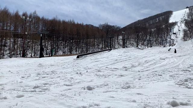 おはよーございます!4月28日(日)やってますよーーー!.GWてことでお店も賑わってます〜!.いつもの常連さんお初の方普段なかなか来れない人など来てくれていつもと違った雰囲気もあり楽しいデス♫.みんなありがとうございます.こっからは山帰りの人で混みそうデス♫まだまだ今日もお待ちしてまーす😎.#colorsnowboardshop #colorgang #ヨコノリスタ #イロヲ出セ #snowboardshop #宇都宮 #カラースノーボードショップ #スノーボード #平成最後 #gw #旦那イェーイ初メイク