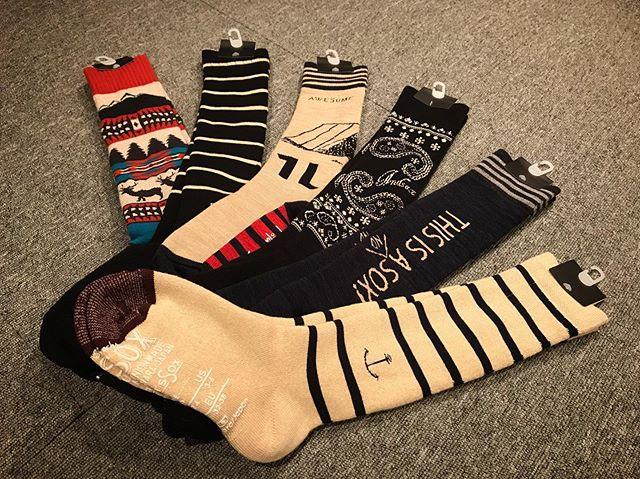 10月22日(火)Openしてます♫.AND SOX入荷しました。.COLOR RIDER陣も多く愛用してます。足裏部分の滑り止めがブーツを履いた時にズレなくて、とにかく調子いいです。.昨年は1日で売れ切れるほどの人気商品。.要チェックっす!.今日もお待ちしてます!!!!.#colorsnowboardshop #colorgang #ヨコノリスタ #イロヲ出セ #snowboardshop #宇都宮 #カラースノーボードショップ #スノーボード #入荷情報 #andsox