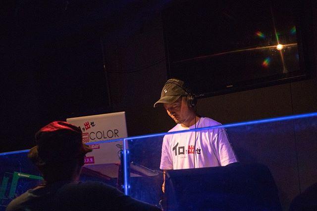 10月23日(水)定休日.SKETCHDJ紹介.まずはこの3人!!!!.ブチ上げあげあげカラーギャングDJ Crew.DJ UGA通称ウータン。ジャンルHip Hop、R&B..DJ TA-通称たぁさん。ジャンルBig Room..DJ YU-KI通称ゆうきジャンルHouse..言わずと知れたこの3人。毎度SKETCHを支え、盛り上げてくれる。今年も確実にみんなをブチ上げてくれること間違い無し。.-------------------------------『SKETCH』11/16(sat)@STELLA栃木県宇都宮市簗瀬町1865-1 カルマーレビル2F.エントランスにてフライヤー画像提示でディスカウント料金¥2500(1D)→¥2000(1D).ご来場頂いた方に18-19COLORGANGFILM引換券プレゼント.ご来場お待ちしております