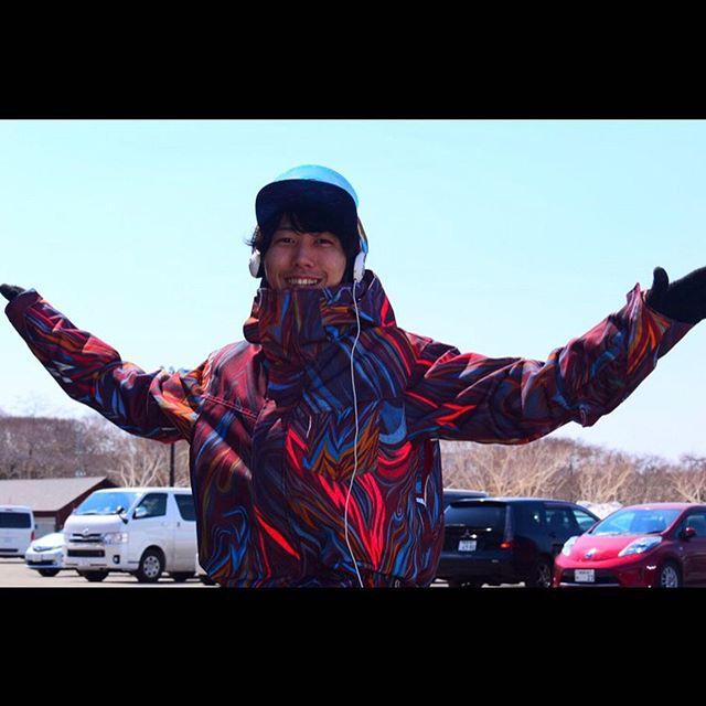 """..SKETCHDJ紹介.今回の出演者募集でいち早く連絡くれた元ハンターマウンテン降雪部隊""""きっしー""""参戦デス!!!!.DJ KAGURA.大学を留年しハンタマで降雪を始めたのが人生の転換期。たくさんの変態達と出会い、スノーボードのみならず音楽にもハマり、EDM.HOUSE.TECHNO を経てPSY TRANCEの楽しさに浸り2019年からDJ活動開始。現在横浜で看護師として働きながらPCDJ、CDJを高円寺のCAVEで活動中。.ジャンル psychedelic..グラブDJは今回がお初とのこと。今回注目のアップカマーDJ。.--------------------------------『SKETCH』11/16(sat)@STELLA栃木県宇都宮市簗瀬町1865-1 カルマーレビル2F.エントランスにてフライヤー画像提示でディスカウント料金¥2500(1D)→¥2000(1D).ご来場頂いた方に18-19COLORGANGFILM引換券プレゼント.ご来場お待ちしております"""